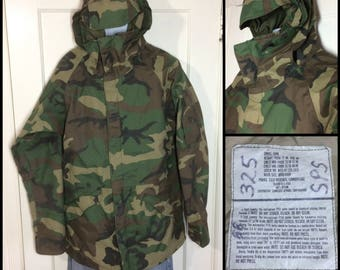 1990's 1992 military camouflage cold weather parka jacket size Small long tall feels Gore-Tex by Tennessee Apparel Corp