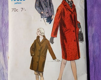Vogue 6052 //1960s Chesterfield Coat Jacket with welt pockets //Vintage Sewing Pattern //Size 12
