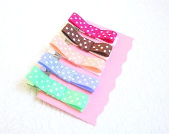Spring Baby hair clips Dotted Toddler hair clips Non slip hair clips Baby gift Toddler gift Covered hair clips Grossgrain hair bows baby