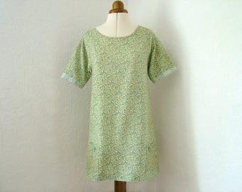 Green floral summer dress, green dress, flower dress, ditsy dress, UK 8, US 6, green tunic top, summer fashion, beach top, beach dress