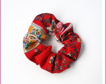 Elastic hair tie/scrunchie size STANDARD or MINI - fabric flowers on red - girl and woman