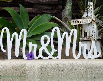 Mr and Mrs Wedding Signs, Custom wedding signs, Wedding table decor, Rustic wedding sign, Wedding Centerpiece - Bliss Font