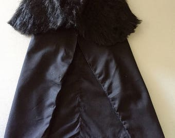 Le Game of Thrones Inspired Night's Watch Cape for Cats or Dogs Stark Furs from Winterfell!