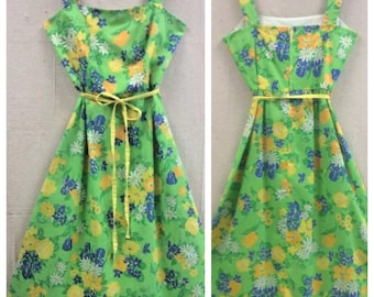 "1970's Vintage Green Summer Dress by Sea Waves, 27""waist, Small, Medium, Vintage Summer Dress"