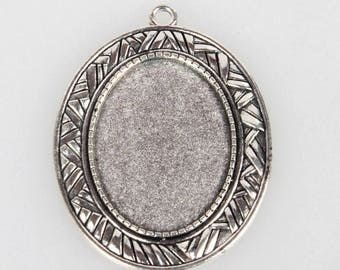 Pendant silver 54 mm x 46mm with tray oval 25mm x 35mm