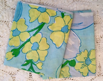 Vintage Floral Pillowcases - Bright and Cheerful Bedding - Bold Large Scale Flowers Fashion Manor Percale Penn-Prest - Bright Blue Floral