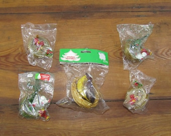 NIP lot of 5 birds in nests Christmas ornaments
