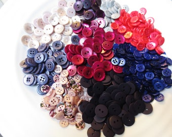 Bulk Buttons Mix Small Size Assortment 850 Pieces Variety Vintage and Newer