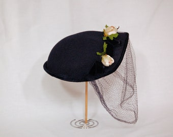Rosebud Vintage 1950s Veiled Hat / Blue Hat with Flowers and Veil / One Size