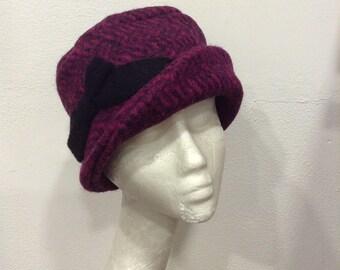 Retro black heathered purple fuchsia wool hat