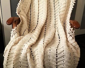 Handmade Crochet Aran Blanket, Cream Zig-Zag Geometric design, 140cm x 160cm (4ft 7 x 5ft 3 aprox) in acrylic aran yarn