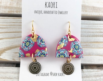 Earrings - Dangle earrings in bollywood ice cream pattern hot pink and blue