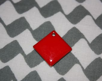 1 Pearl charm red sequin