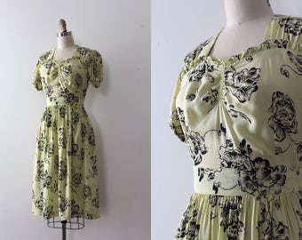 vintage 1940s floral dress // 40s novelty floral dress