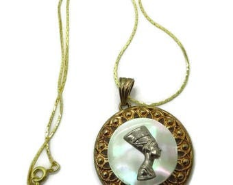 Nefertiti Pendant, Vintage MOP Pendant, Egyptian Queen Necklace, Statement Jewelry, Mother of Pearl Pendant, Cobra Chain Necklace, Gift