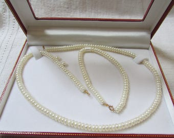 Vintage classic freshwater pearl necklace and bracelet and earrings set  parure NOS wedding bridal prom 10 KT gold clasps