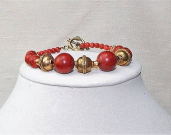 Red coral bracelet,red coral and gold bracelet,red coral gemstone bracelet,red coral statement bracelet,red coral and gold fashion bracelet