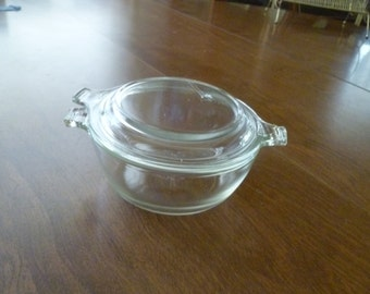 Small Pyrex Casserole with Lid