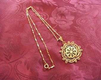 Vintage Damascene Niello Disc Filigree Pendant Chain Necklace