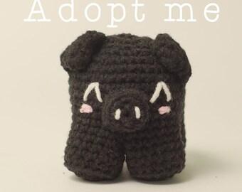 Adopt me! - Ready to be sent - Little crochet piggy