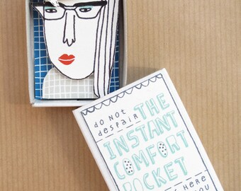 The Instant Comfort Pocket Box - red lipstick