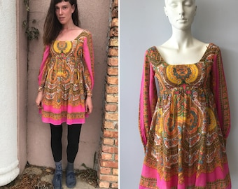 Vintage 60s 70s babydoll dress psychedelic print go-go dress floral hippie boho twiggy it girl festival
