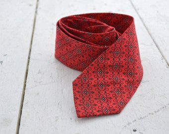1960s Red Printed Cotton Neck Tie