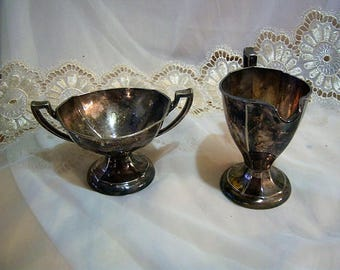 Manning-Bowman Co. Vintage Silver Plated Sugar and Creamer Set