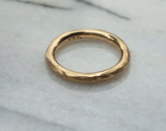 Mens rough textured wedding ring 3mm thick, heavy 14k solid gold ring