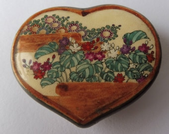 Beautiful Vintage Hand Painted Heart Shaped Lidded Trinket Box.