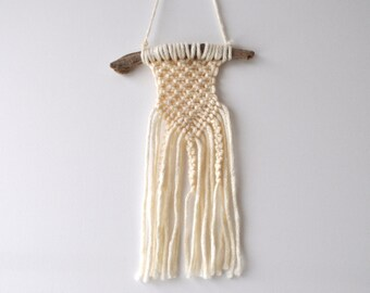 macramé wall pendant to driftwood, knotted, handmade, Boho, rural, vintage style, driftwood wall decoration, acrylic wool