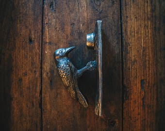 Decorative Style Cast Iron Door Knocker Woodpecker Bird Design