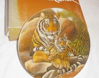 THE ASIAN MONARCHS Tigers Collector's Plate by Gene Dieckhoner - 1979 - 1st in Vanishing Animals Series