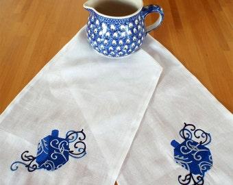 Hanukkah Embroidered Linen Table Runner Dreidel Table Runner Chanukah Table Runner Hanukkah Table  Hanukkah Gift Hanukkah  Decoration