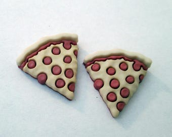 Pizza stud earrings - pepperoni pizza, italian food, food lover gift, geek jewelry, hipster, foodie, Hypoallergenic