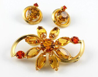 Juliana Flower Brooch set. Citrine Rhinestone Daisy Earrings. Hyacinth Red.  Vintage Juliana D&E jewelry