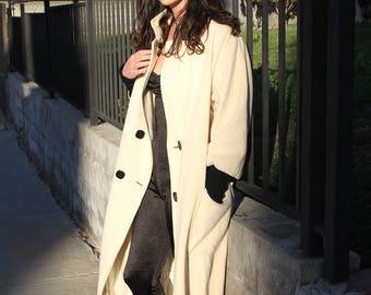 1960s Wool Coat in Creamy White