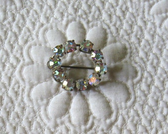 Vintage Sparkling AUSTRIAN CRYSTAL Circle Pin Very Good Cond.