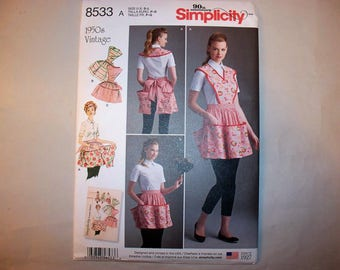 New Simplicity, Vintage Style Apron Pattern, 8533  (Free US Shipping)