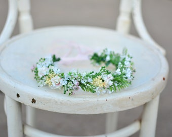 Gentle fresh cute soft spring flower grass hair wreath