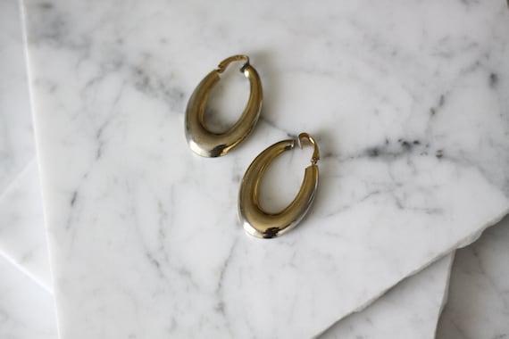 1980s oval hoop earrings // 1980s thick hoop earrings // vintage earrings