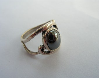Hematite And Sterling Silver Cabochon Ring