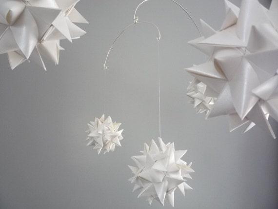 Hanging Origami Sphere Mobile Libra Pearl White