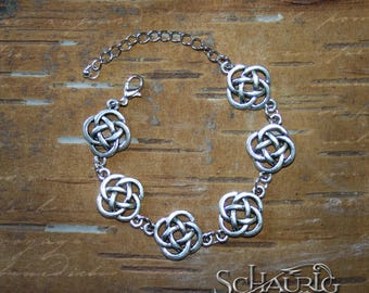 Bracelet with Celtic knots