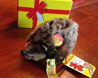Steiff Joggi Hedgehog with gift box. Early 1980's in excellent condition!