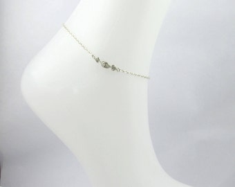 Ankle bracelet silver color small rose.