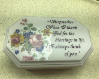 Smooth Resin Jewelry Box Stepmother Greeting Floral Theme Trinket Box