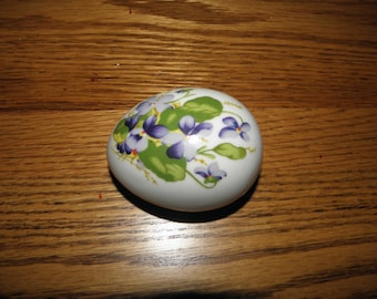 Dansbury Mint China  Egg with Violets