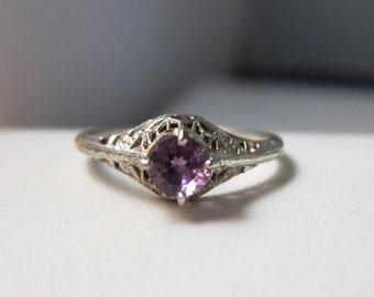 Antique Deco 18k Amethyst Filigree Ring
