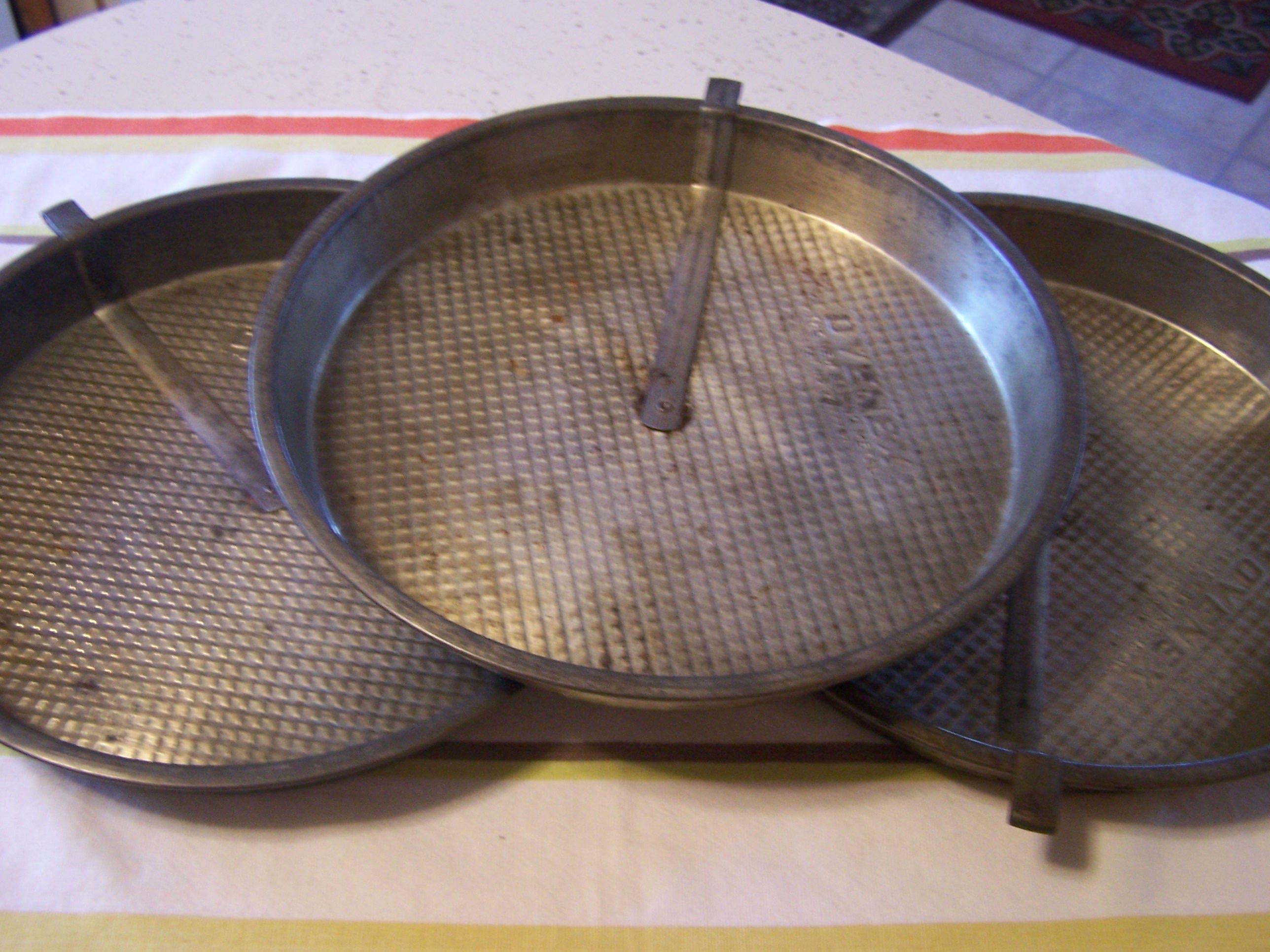 Sold by TeresasTreasuresEtc & 3 Older Ovenex Pie Tins With Slider Waffle Textured Pie Pan Metal ...